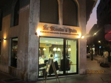 CAFETERIA PANADERIA MOULIN A PAIN (3)